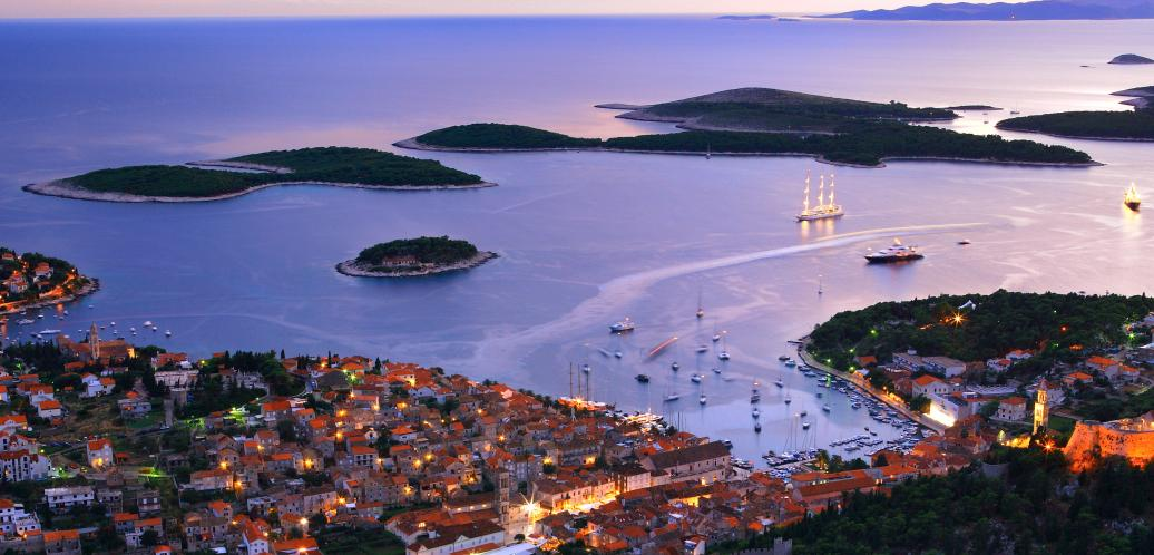 Slikovni rezultat za hvar by night